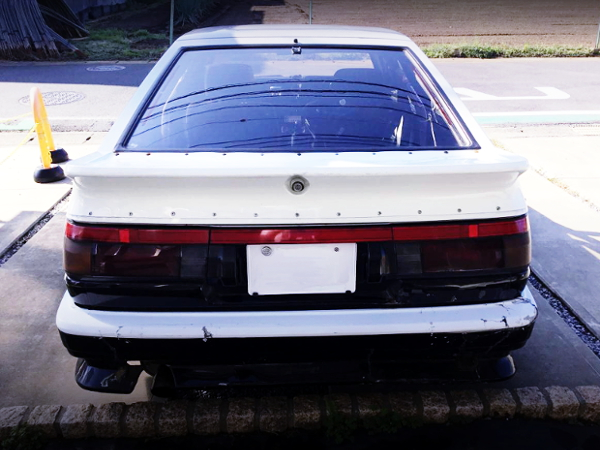 REAR TAIL LIGHT AND HACH OF AE86 TRUENO PIC