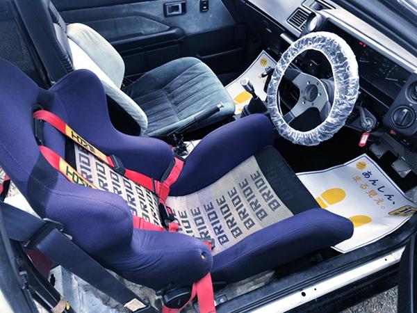 DRIVER BRIDE SEMI BUCKET SEAT