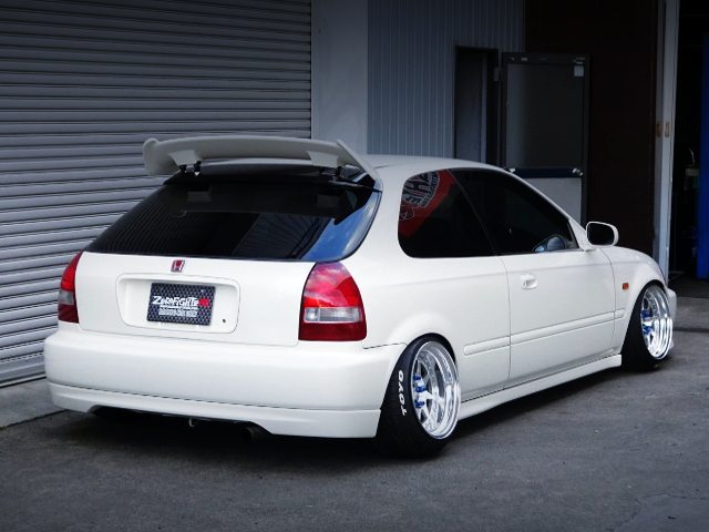 REAR EXTERIOR OF EK9 CIVIC TYPE-R