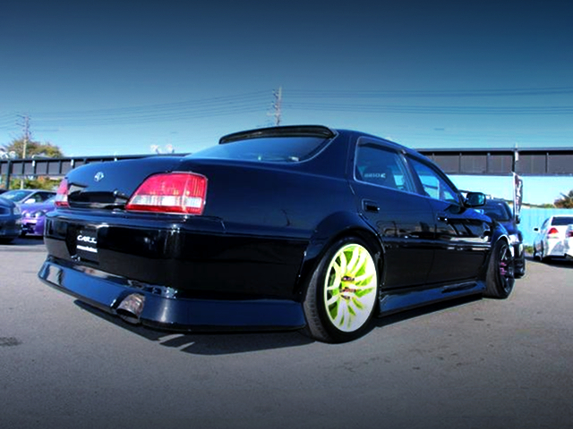 REAR EXTERIOR OF JZX100 CRESTA ROULANT G TO BLACK