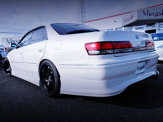REAR EXTERIOR OF JZX100 MARK2 TOURER-V TO WHITE