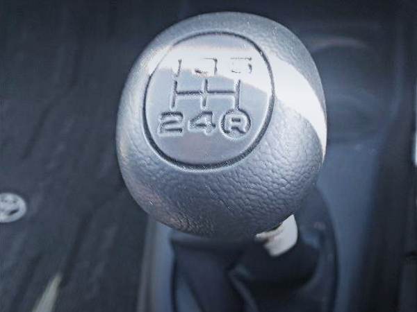 5-SPEED MANUAL SHIFT