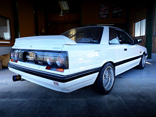 REAR EXTERIOR R31 SKYLINE 2-DOOR