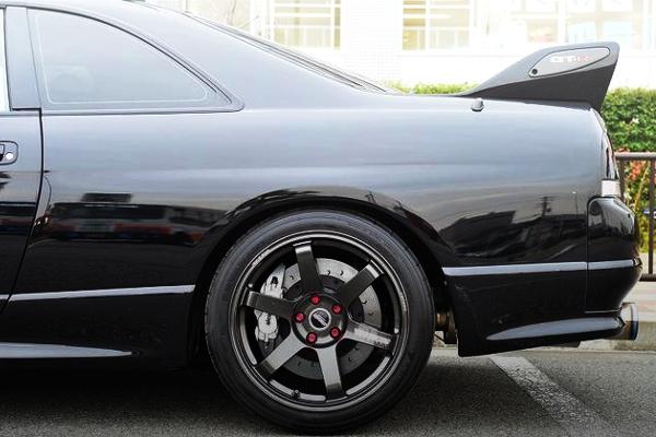 TE37SAGA WHEEL OF R33 GTR REAR