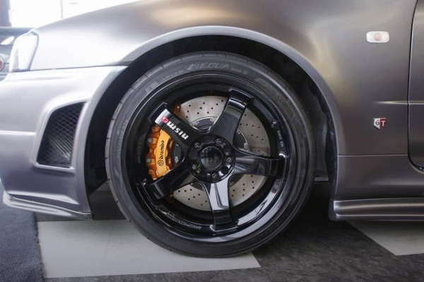 FRONT R35 GTR Brembo SWAP AND LMGT4 WHEEL