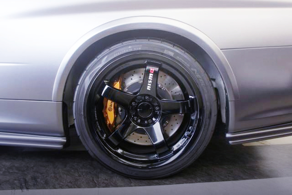 REAR R35 GTR Brembo SWAP AND LMGT4 WHEEL