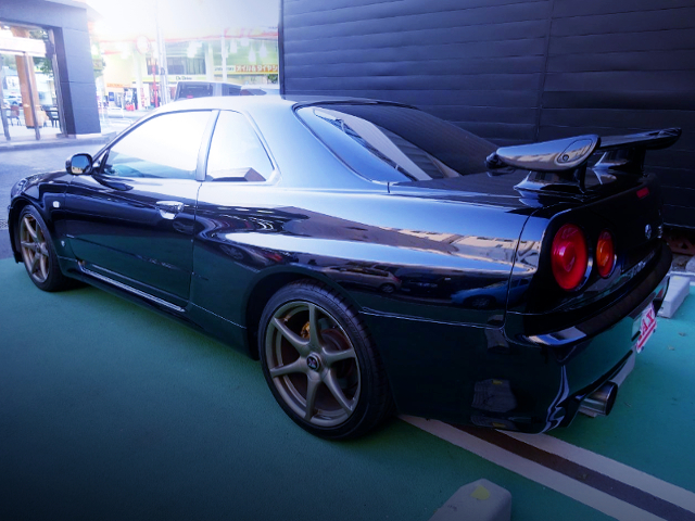 REAR EXTERIOR OF R34 SKYLINE GT-R TO BLACK COLOR