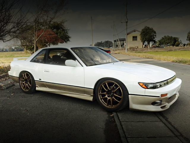 RIGHT SIDE EXTERIOR OF S13 SILVIA QS