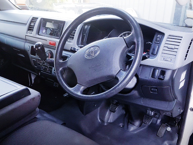 DASHBOARD OF H200 TOYOTA HIACE