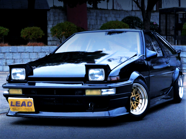 FRONT EXTERIOR OF AE86 TRUENO GT-APEX TO BLACK PAINT