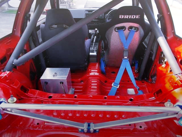 TWO SEATER AND ROLL BAR