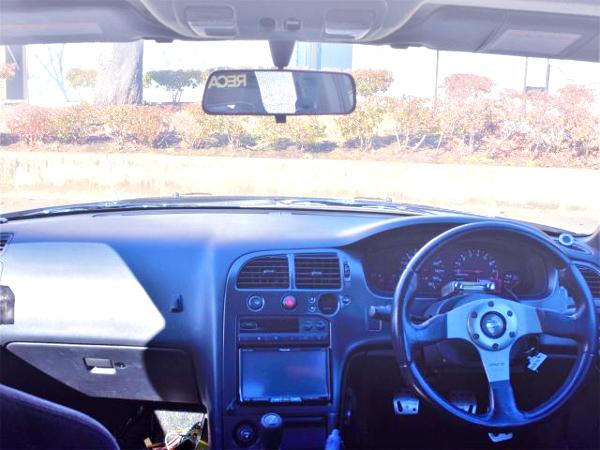 INTERIOR DASHBOARD OF ECR33 SKYLINE 4-DOOR GTS25t TYPE-M