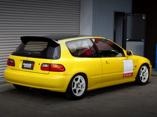 REAR EXTERIOR OF EG6 CIVIC SIR2 YELLOW PAINTO