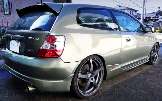 REAR EXTERIOR EP3 CIVIC TYPE-R