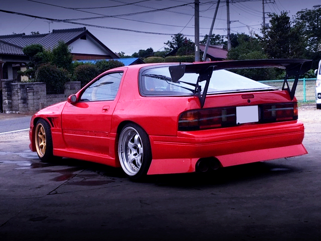 REAR EXTERIOR OF FC3S RX7 WIDEBODY