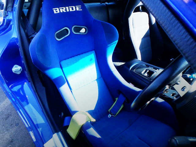 BRIDE FULL BUCKET SEAT AT DRIVER