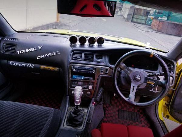 INTERIOR DASHBOARD OF JZX100 TOURER-V