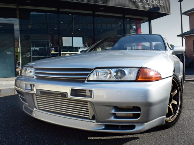 FRONT EXTERIOR OF R32 SKYLINE GT-R