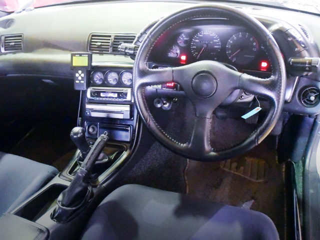 INTERIOR DASHBOARD OF R32 GT-R