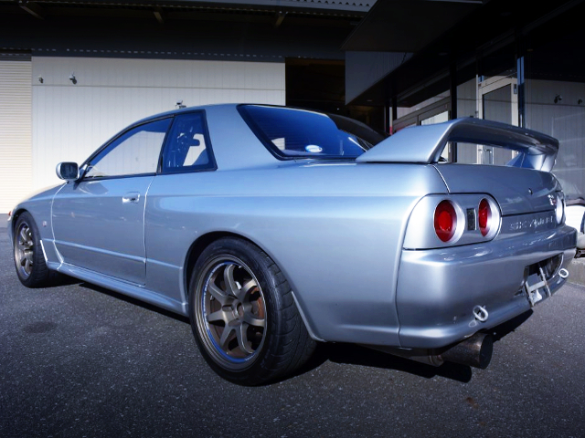 REAR EXTERIOR OF R32 SKYLINE GT-R