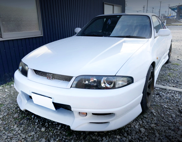 FRONT EXTERIOR R33 GT-R TO WHITE COLOR