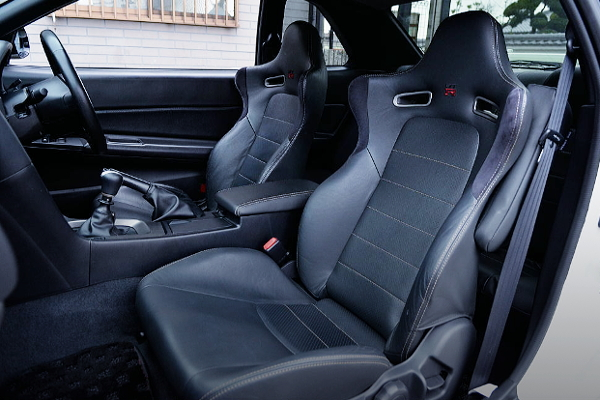 SEATS OF R34GT-R M-SPEC NUR