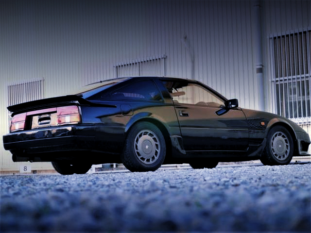 REAR EXTERIOR OF Z31 FAIRLADY Z 200ZR-2 2by2 T-BAR