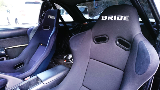 BRIDE BUCKET SEAT AND ROLL CAGE