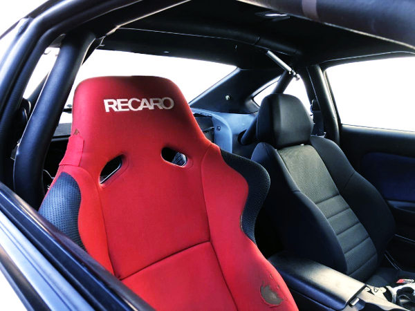 INTERIOR ROLL BAR AND RECARO SEAT