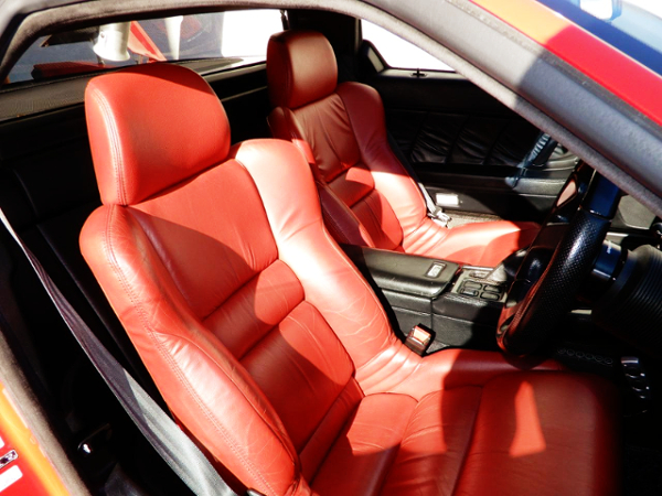 RED COLOR OF BUCKET SEAT
