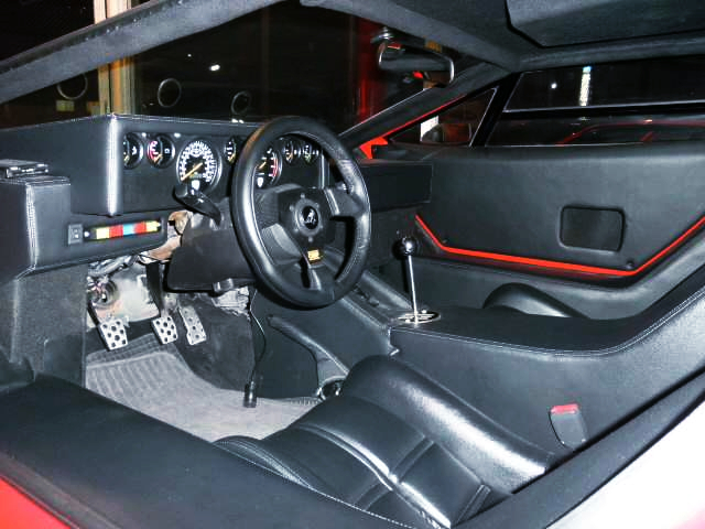 INTERIOR OF WOLF COUNTACH REPLICA MR-S