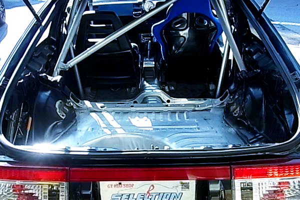 ROLL BAR AND DRIVER'S FULL BUCKET SEAT