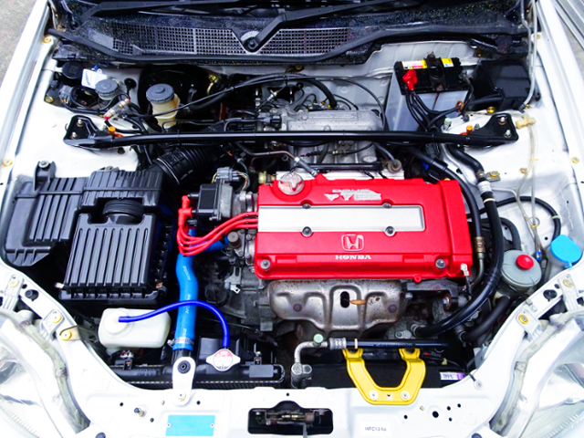 TYPE-R RED-HEAD COVER ONTO B16A VTEC