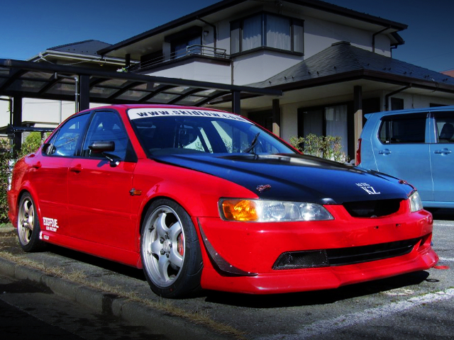 FRONT EXTERIOR OF CL1 TORNEO EURO-R