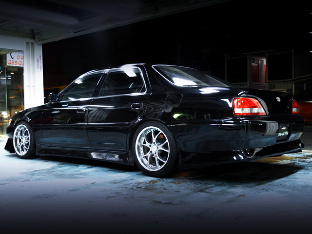 REAR EXTERIOR OF JZX100 CRESTA TO BLACK PAINT