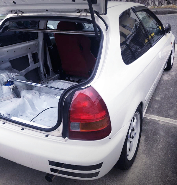 REAR HATCH OPEN TO EK9 CIVIC TYPE-R