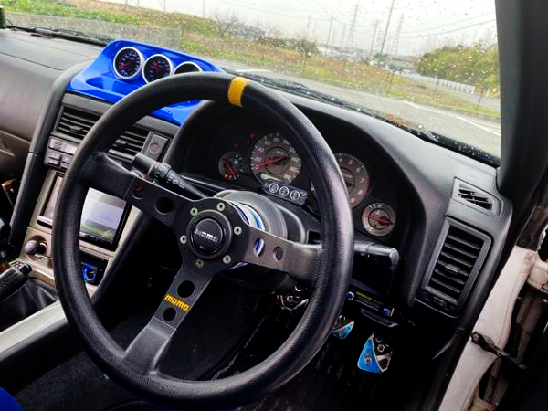 CLUSTER AND STEERING OF ER34 SKYLINE