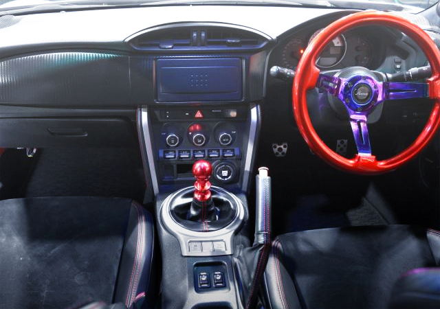 INTERIOR OF TOYOTA 86 GT