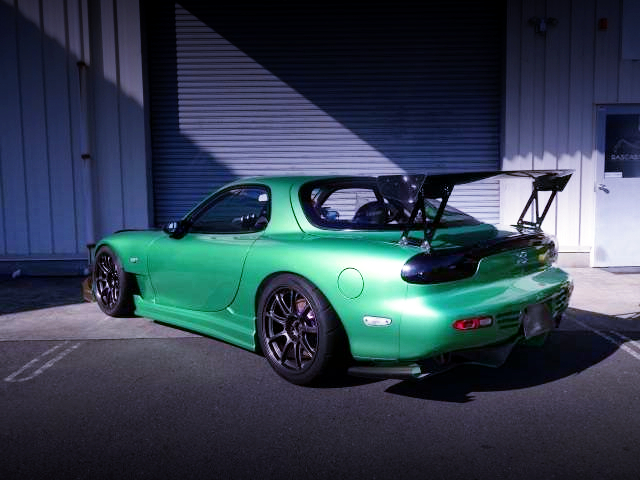 REAR EXTERIOR OF FD3S RX7 TO GREEN METALLIC