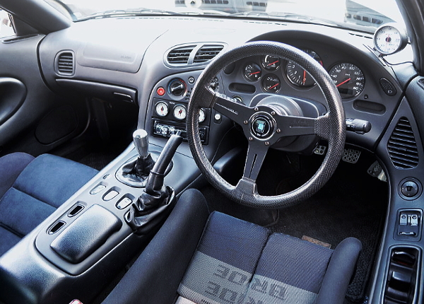 FEED DEMO CAR RX7 INTERIOR