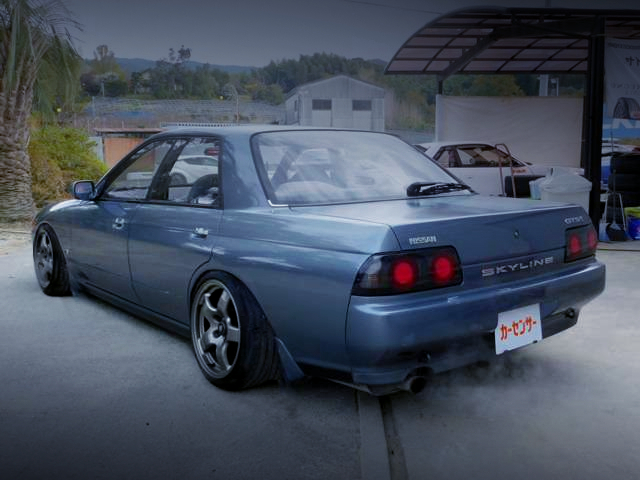 REAR EXTERIOR OF R32 SKYLINE 4-DOOR GTST TYPE-M