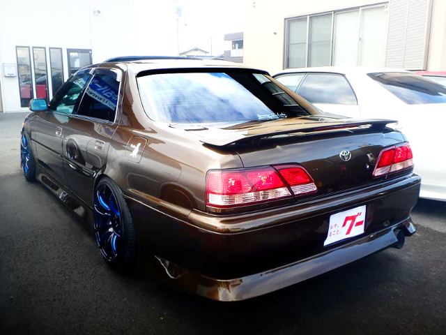REAR EXTERIOR OF JZX100 CRESTA TO BROWN