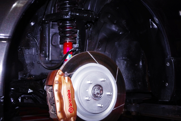 FRONT COILOVER AND Brembo BRAKE