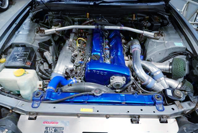 RB26 TWINTURBO ENGINE OF BLUE ENGINE COVER
