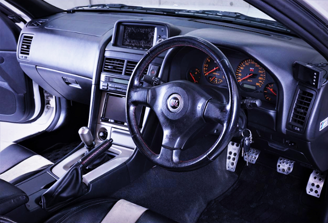 INTERIOR R34 GT-R