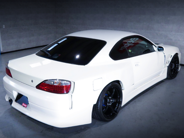 REAR EXTERIOR OF S15 SILVIA WHITE