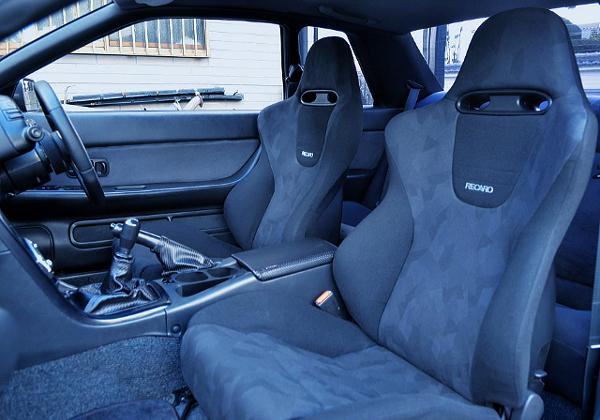 RECARO SEATS INTO A R32 GT-R INTERIOR