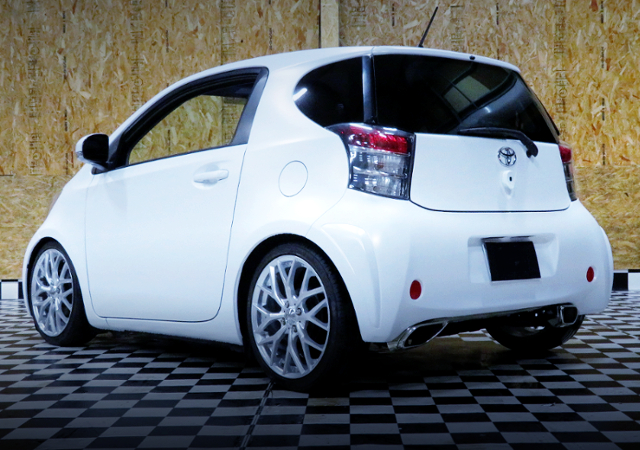 REAR EXTERIOR OF TOYOTA IQ