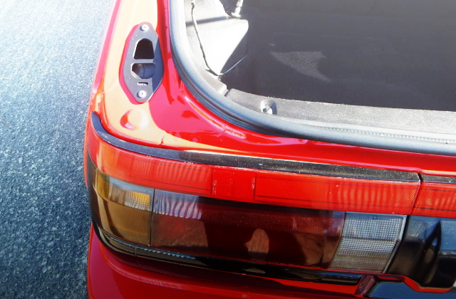 LEFT TAIL LIGHT OF AE86 HATCH