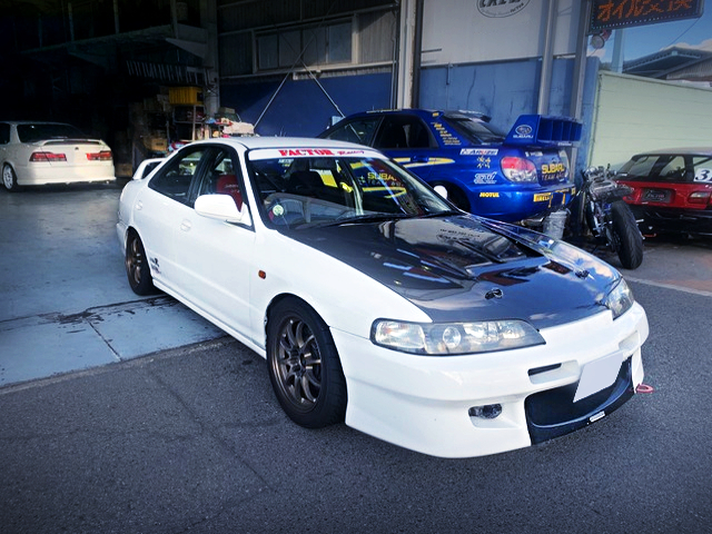 FRONT EXTERIOR OF INTEGRA 4-DOOR TYPE-R